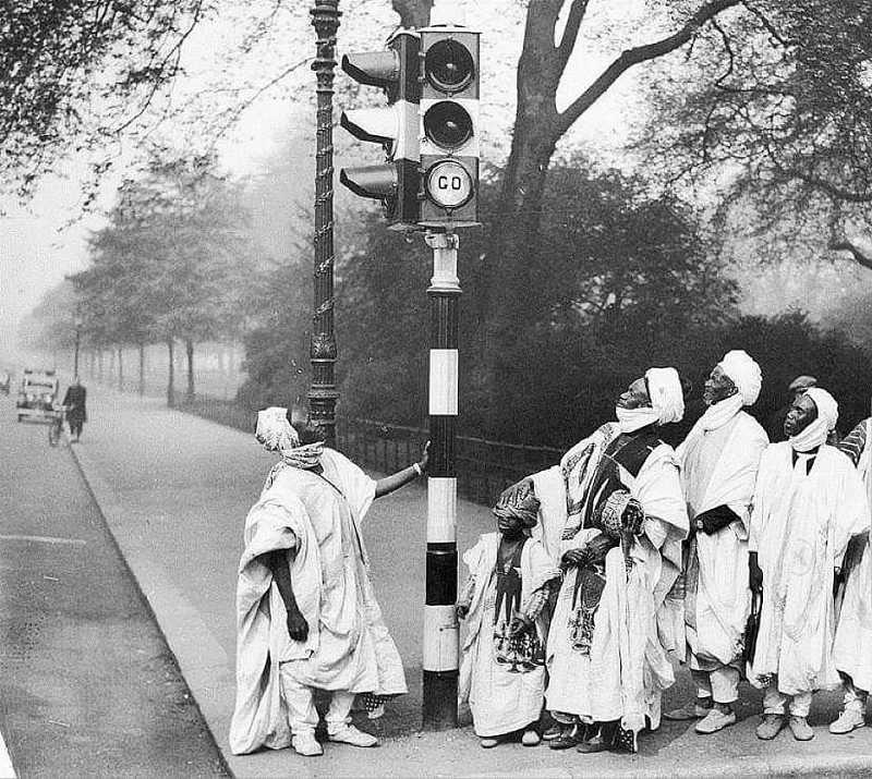 Did You Know? Traffic Lights Came Before Cars
