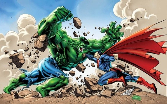 Watch : Fight between Superman and The Incredible Hulk